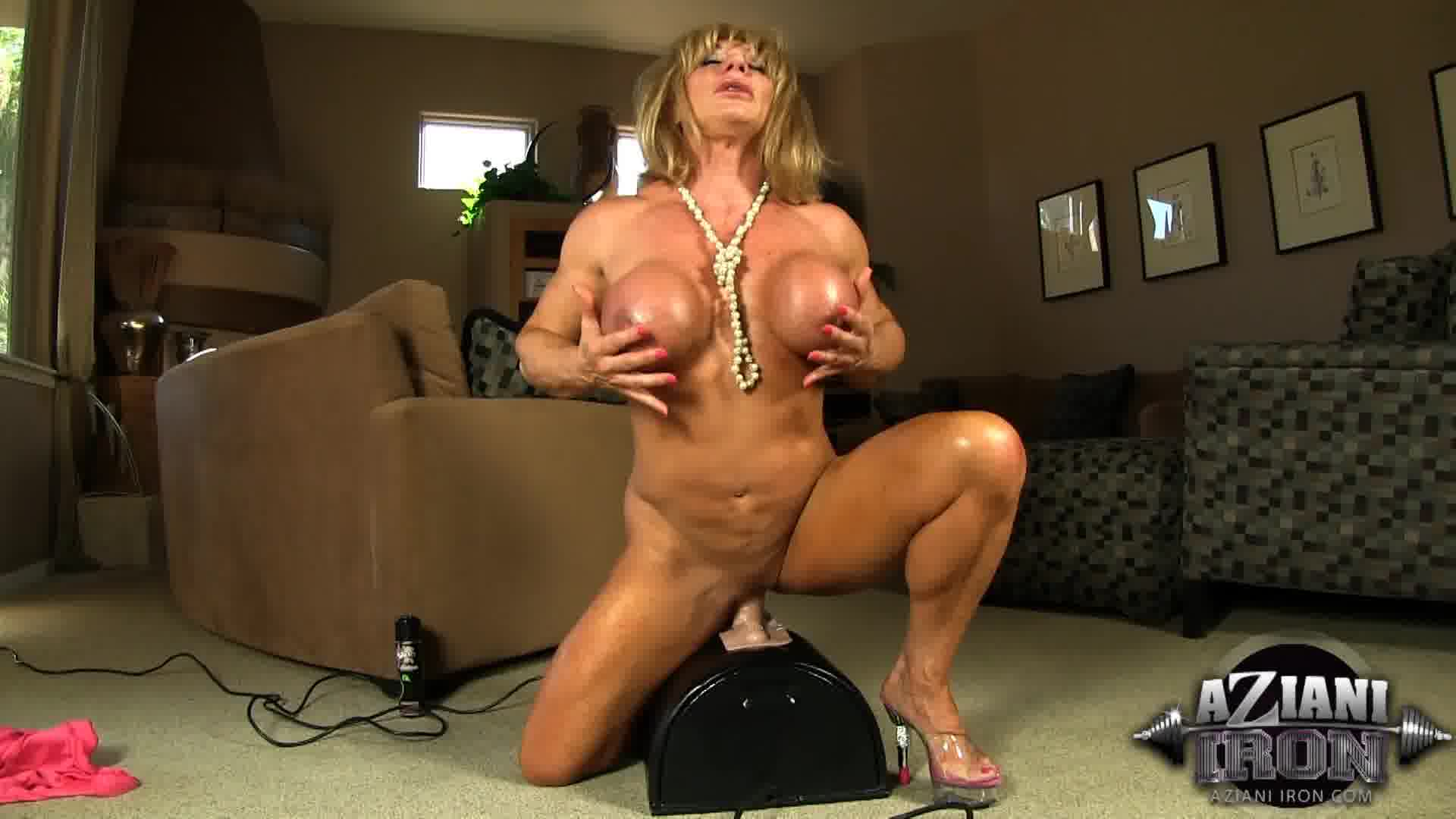 image Bodybuilder on sybian with proof 100 real orgasms
