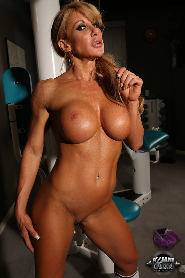 Fitness model big tits casual