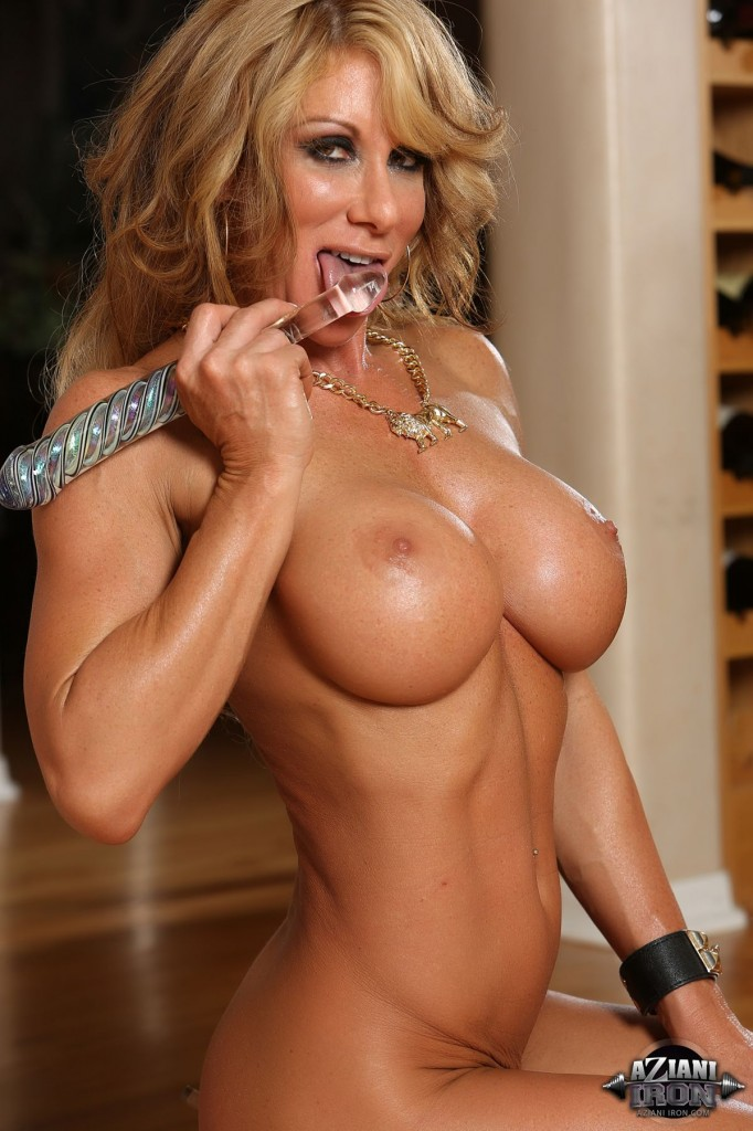 Muscle barbie megan avalon is a sexy hotel room tease 8