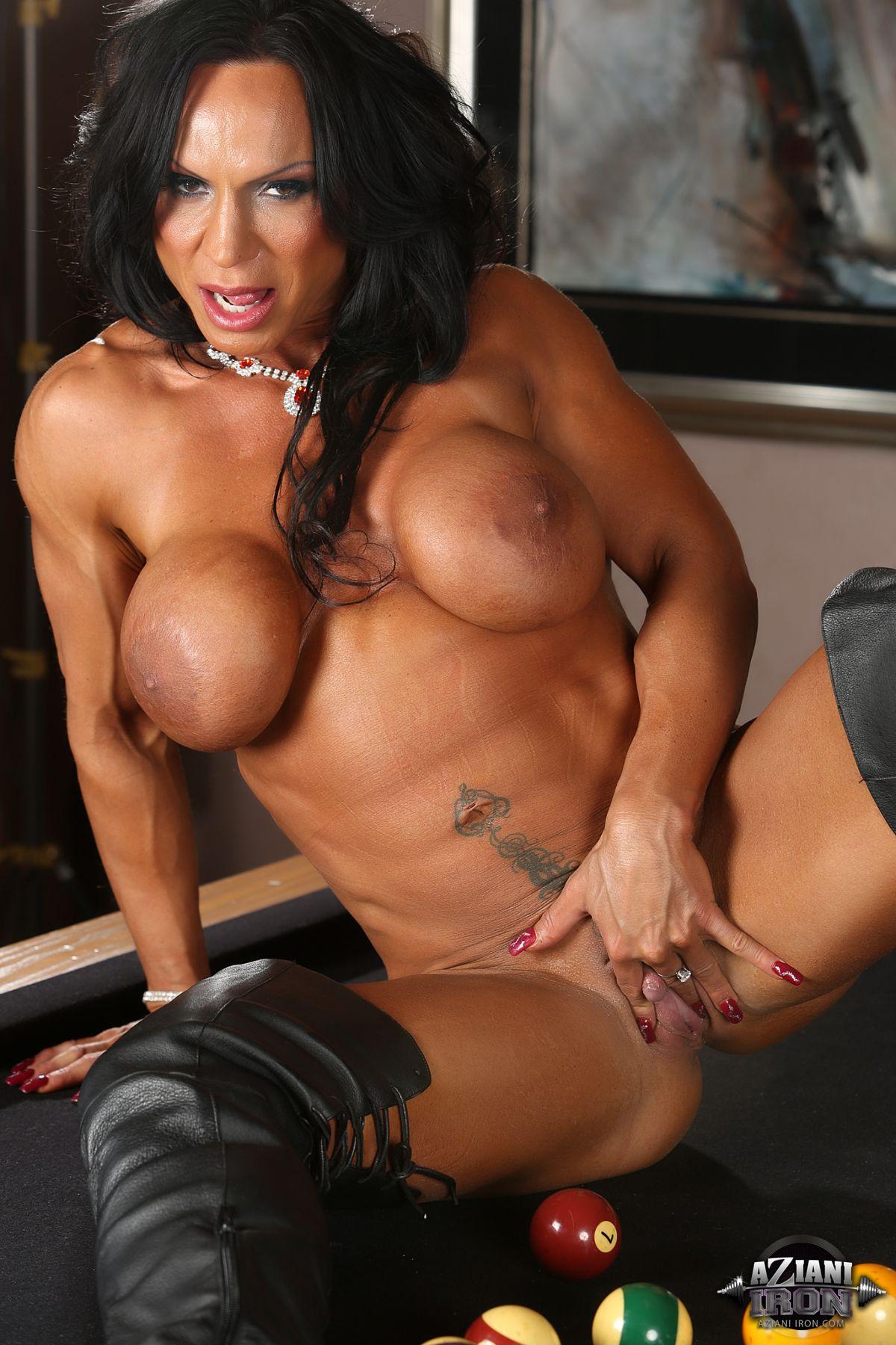 Sophie monk nude pics